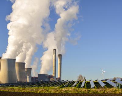 coal-power-plant-vs-solar-power-plant